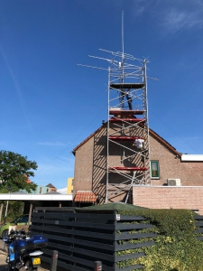 Antennewerkzaamheden bij Marcel Moerenhout, PA3HEB